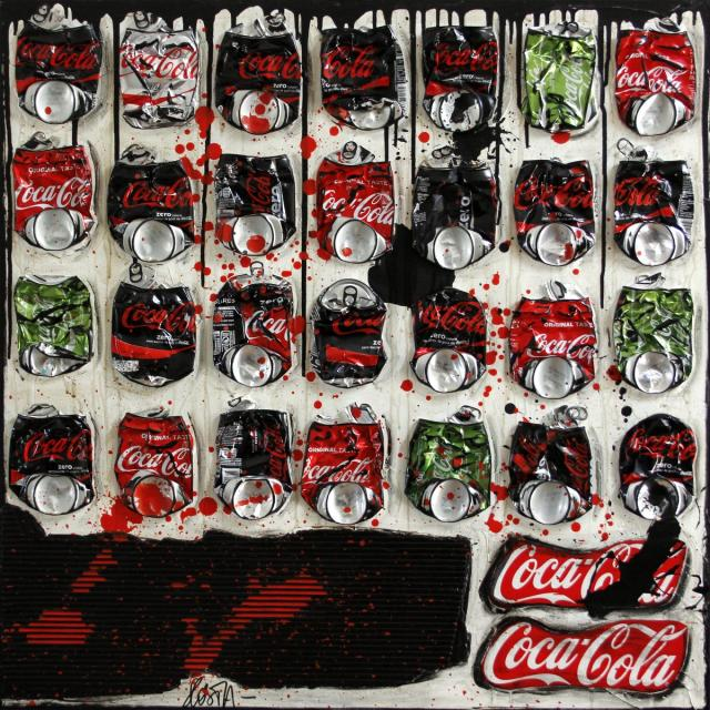 collage , cannettes compressées, cocacola, upcycling Tableau Contemporain, COKE ONLY. Sophie Costa, artiste peintre.