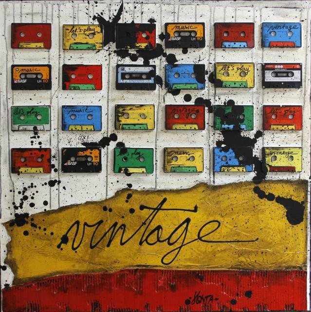 collage, multicolore, casstes audio Tableau Contemporain, Vntage. Sophie Costa, artiste peintre.