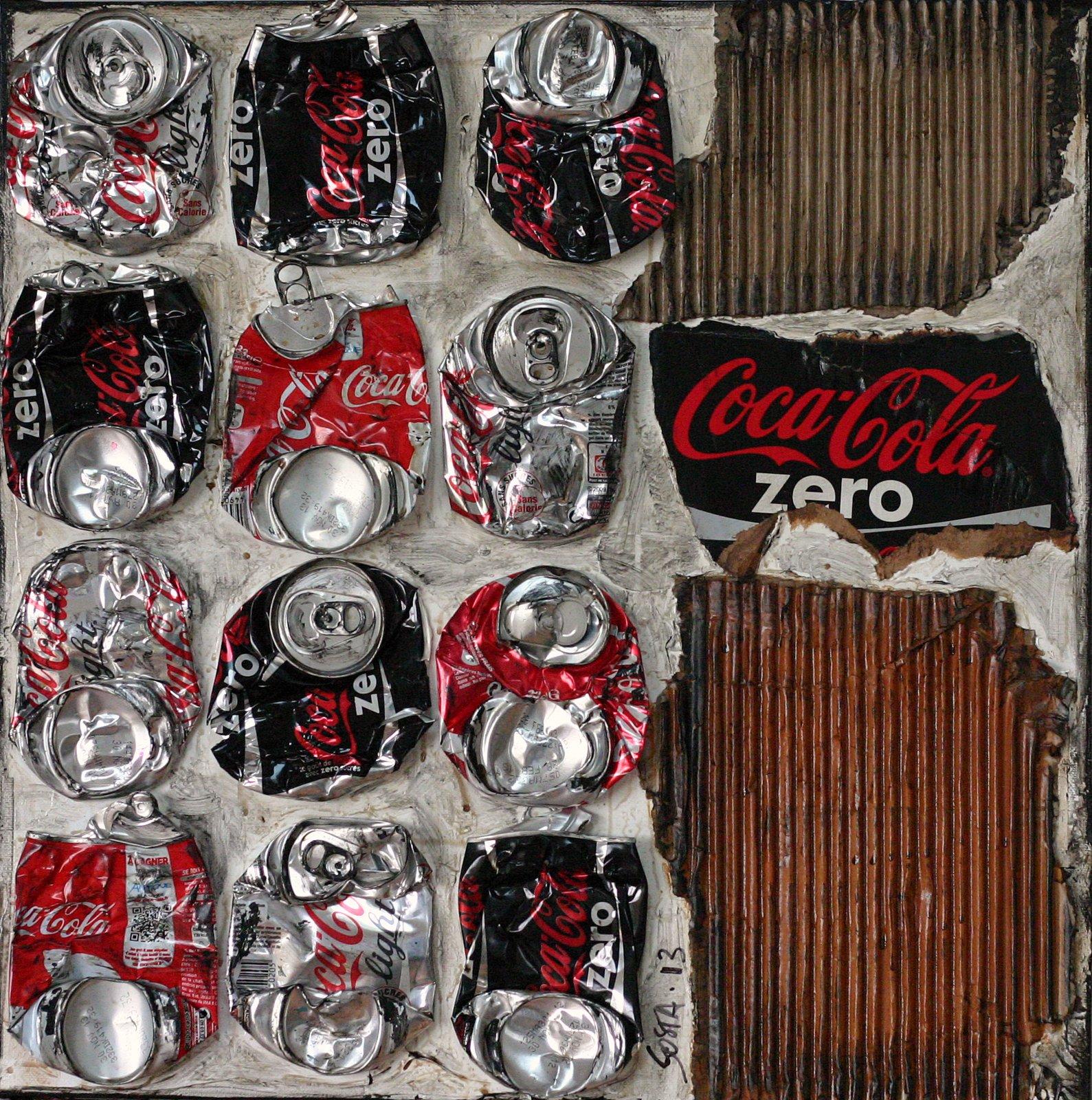 collage canettes compressees Tableau Contemporain, COCA ATTITUDE. Sophie Costa, artiste peintre.