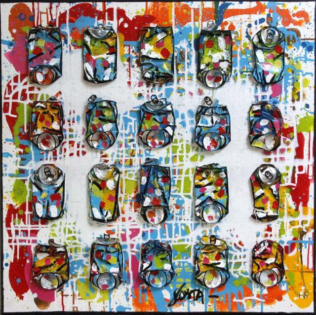 collage, canettes compressées, multicolore Tableau Contemporain, MOVE !. Sophie Costa, artiste peintre.